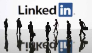 LinkedIn: Χρήσιμες συμβουλές για επαγγελματική αποκατάσταση