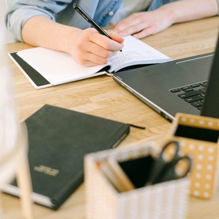 Τι περιλαμβάνει το πρόγραμμα Marketing: *Ανάπτυξη στρατηγικής μάρκετινγκ περιεχομένου με βάση την επιχειρηματική σας κατάσταση *Σχετικό περιεχόμενο που μπορεί να προσβληθεί σε όλα τα κανάλια συμπεριλαμβανομένων: βίντεο, λευκά είδη, eBooks, αναρτήσεις ιστολογίου, webinars, μελέτες περιπτώσεων κλπ. *Περιεχόμενο και διανομή περιεχομένου - ψηφιακό PR *Ενίσχυση περιεχομένου μέσω ψηφιακών καναλιών κοινωνικής δικτύωσης - Twitter, Facebook, YouTube κ.λπ. *Αναλύσεις επιδόσεων μάρκετινγκ περιεχομένου και μέτρηση *Περιεχόμενα τεχνολογίας & εργαλείων μάρκετινγκ περιεχομένου content